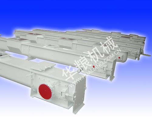 Self-cleaning scraper conveyor